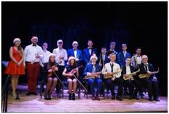 Młodzieżowa Orkiestra Rozrywkowa z ODK na scenie